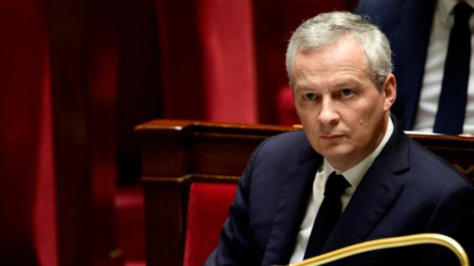 Taxe sur les dividendes: Le Maire dédouane Macron, pas inquiet pour son poste au gouvernement