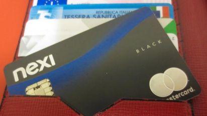 Banca Mediolanum presenta a clienti top la black card di Nexi