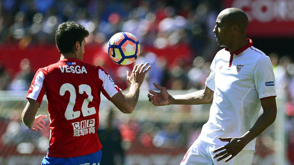 El Sevilla pierde la pegada y el tercer puesto