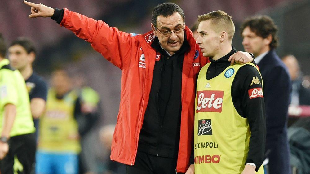 Il patto del Napoli per il secondo posto: Sarri promette la conferma ai giocatori