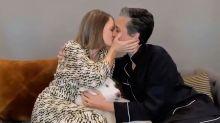 Jodie Foster normaliza ante las cámaras la vida privada con su esposa en los Globos de Oro