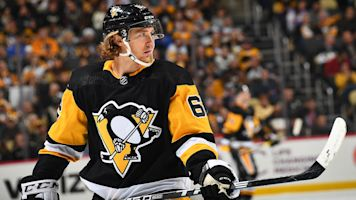 Penguins send Hagelin to Kings for Pearson