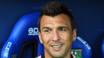 Juve, c'è distanza con il Manchester United per Mandzukic ma spunta una pretendente italiana