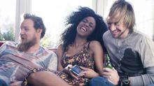 Une étude prétend que les hommes sont plus drôles que les femmes, et avance une explication