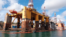 US oil rig count jumps for 10th straight week, Baker Hughes says