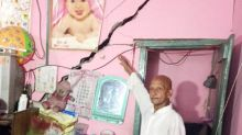 Mysterious cracks on walls force residents to vacate houses in Narela of Delhi