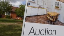 Auction numbers fall but clearance rate up