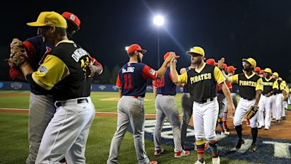 Pirates and Cardinals celebrate Little League Classic with end-of-game handshake line