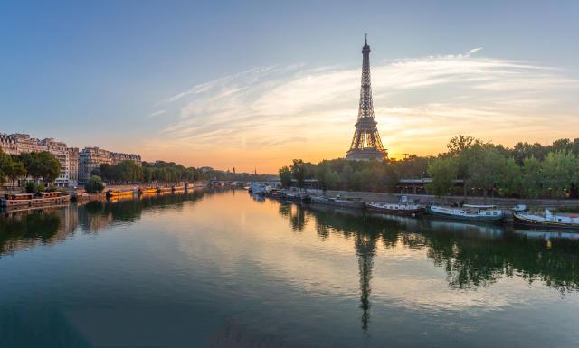 France gives social media sites one hour to delete criminal content
