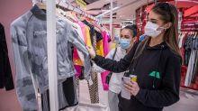 """Coronavirus : Jean Castex confirme le port du masque obligatoire dans """"les commerces et les lieux recevant du public"""" clos dès le le 1er août"""