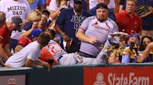 Addison Russell takes out Cardinals fan's nachos, replaces them