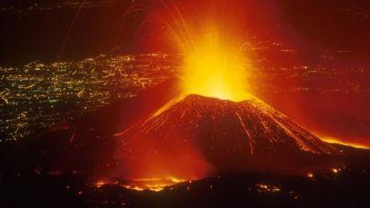火山旅遊純玩命?3大活火山旅遊景點安全注意