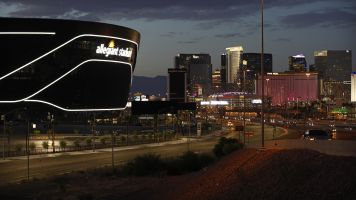 Vegas welcome won't be as planned for Raiders