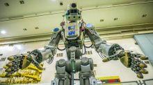 La nave con robot humanoide ruso no logra acoplarse a estación espacial