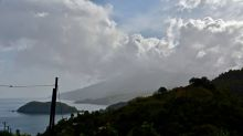 Vulkan auf St. Vincent in der Karibik ausgebrochen