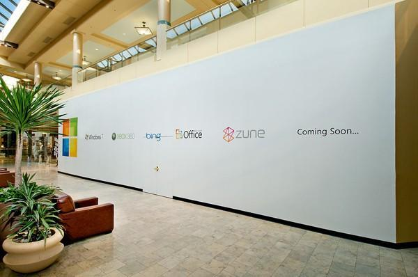 First pic of Microsoft retail store's construction -- both Abercrombie & Fitch visibly nervous