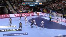 VÍDEO | La jugada imposible de España en el Europeo de balonmano: la pelota se quedó pegada al poste