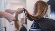 Noiva fica brava após madrinha mudar cabelo drasticamente