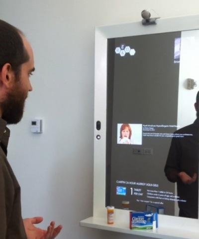 New York Times' magic mirror helps you get dressed, puts the 'wall' in 'paywall' (video)