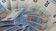 Forex, euro, yen solidi, dollaro colpito da nodo dazi, dati Usa deboli