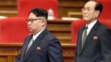Corea Nord, Kim in pubblico per un Politburo allargato