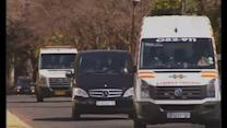 Nelson Mandela leaves hospital and returns home