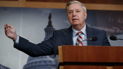 Graham advises Dems against impeachment