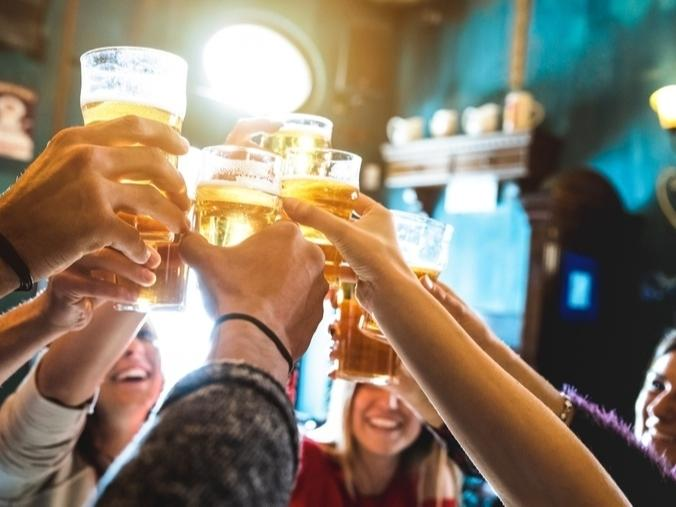 Breweries are asking LA County officials to reopen with third party food vendors.