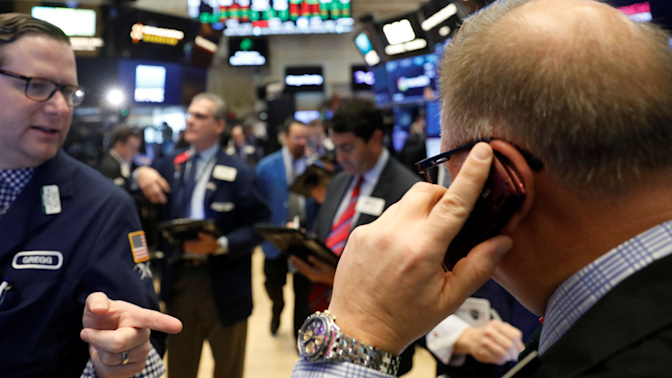 Stocks snap winning streak, Walmart tanks
