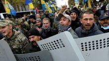 Saakashvili assails Ukraine president at mass Kiev rally