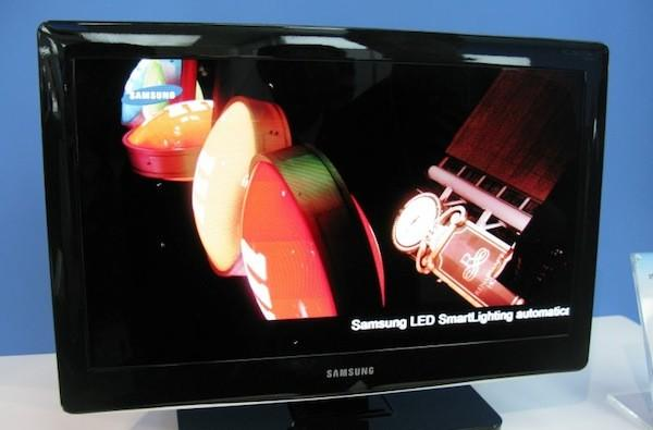 Samsung 'prints' 19-inch OLED TV, teases our display daydreams yet again