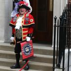 Royal Baby: Self-Proclaimed Town Crier Announces Birth of New Addition