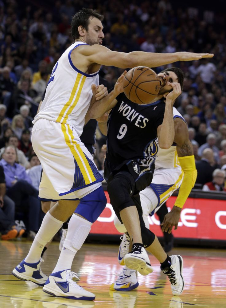 Warriors trying to move on without Andrew Bogut