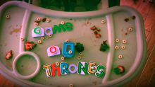 Game of… ¿Toys? Con los juguetes de su hija, recreó la intro de la popular serie de HBO