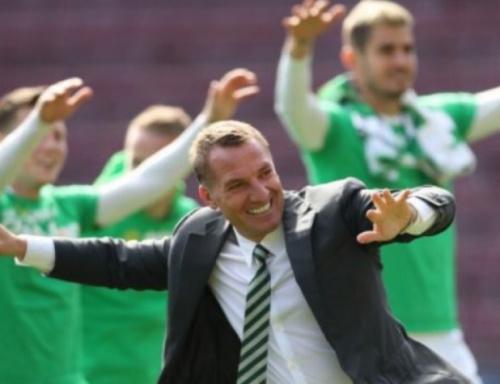 Sinclair anota hat-trick, e Celtic conquista hexacampeonato escocês