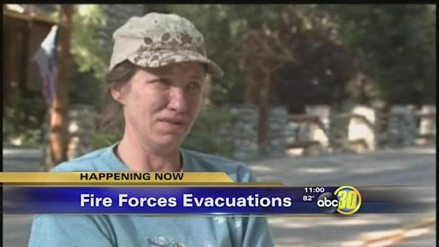 Fire in SoCal forces 6,000 evacuations of mountain town
