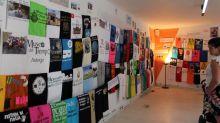Homenajean al concursante de televisión José Pinto mediante sus 408 camisetas