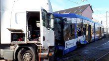 16 Verletzte und eine Million Euro Schaden bei Tram-Unfall