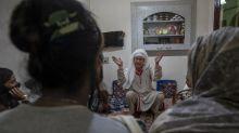 AP PHOTOS: Virus left transgender Kashmiris 'on our own'