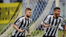 Sasha celebra primeiro gol, mas ressalta que Galo não jogou bem