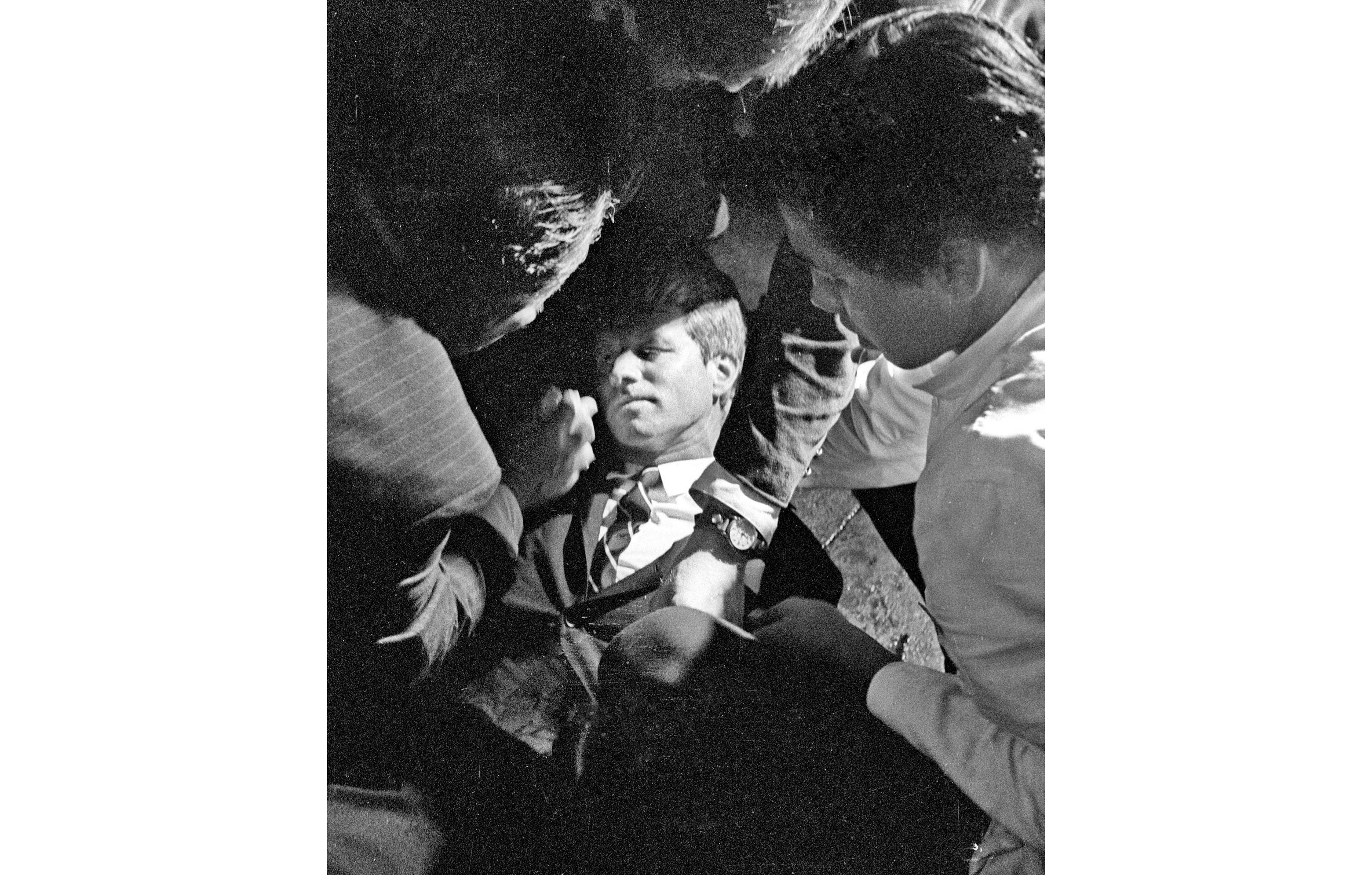 busboy who comforted robert kennedy after he was shot dies