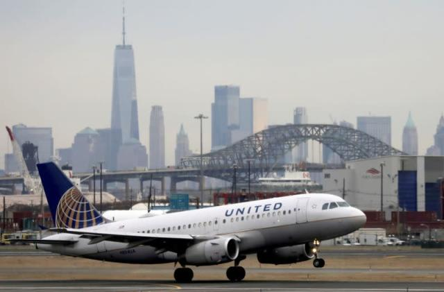 United Airlines unveils plan to fund more sustainable jet fuel made from trash