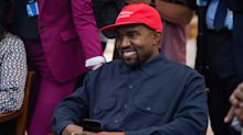 Kanye West accidentally reveals the code to unlock his iPhone is '000000' during Trump visit — and Twitter loses it