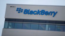 BlackBerry signals slowing sales on subscription switch