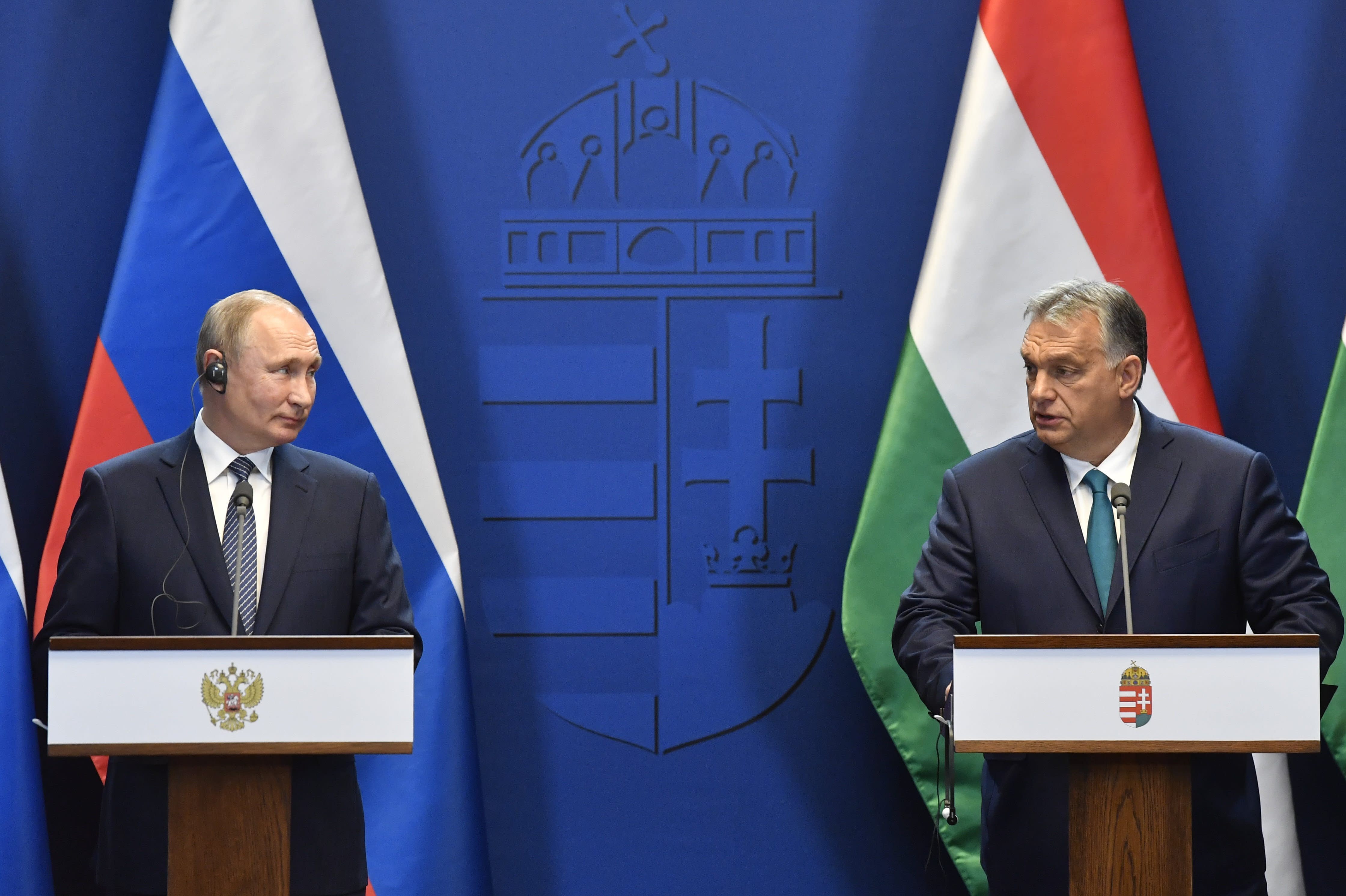 Hungarian Prime Minister Viktor Orban, right, and Russian President Vladimir Putin hold a joint press conference following their talks at the PM's office in the Castle of Buda in Budapest, Hungary, Wednesday, Oct. 30, 2019. (Zoltan Mathe/MTI via AP)
