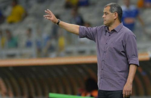Técnico do Paraguai, Arce detona árbitro e critica postura de Tite