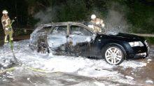 Schüsse gefallen : Fluchtauto der Volksbank-Räuber ausgebrannt entdeckt