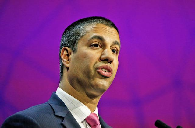 Internet giants resist the FCC's relaxed net neutrality rules