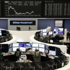 Global stocks struggle higher, dollar sapped by rate hike uncertainty
