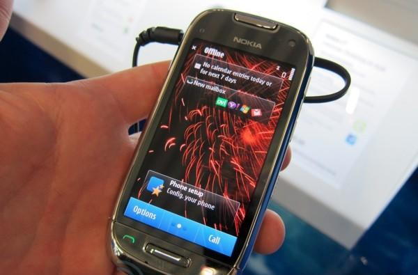 Nokia C7 first hands-on